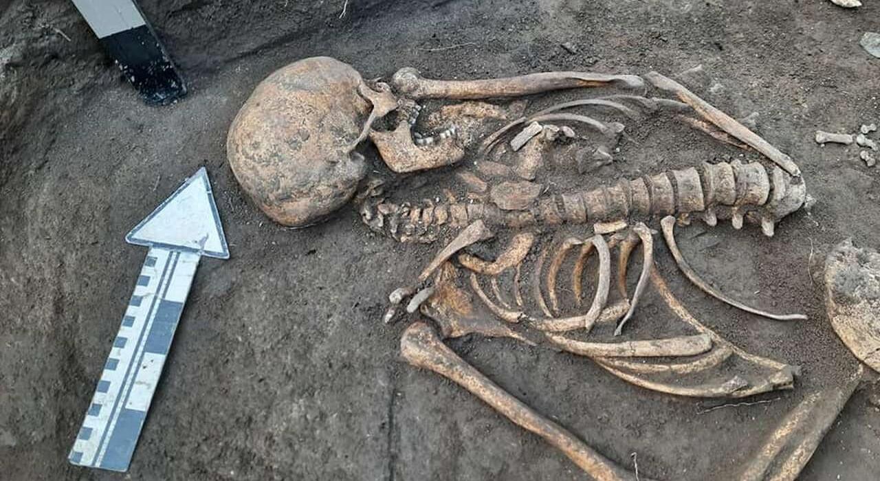 В Каменец-Подольском нашли уникальные останки женщины