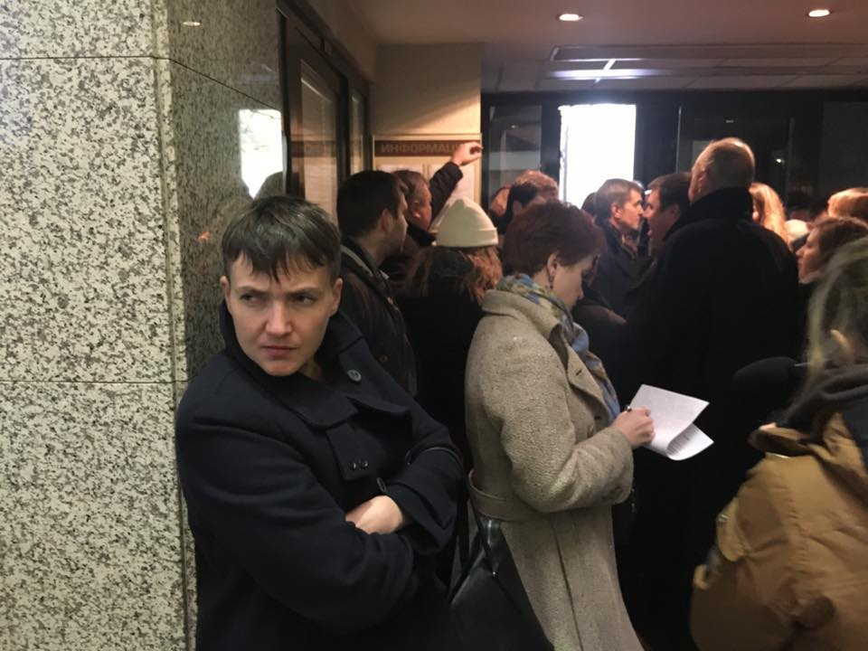 Надежда Савченко в Москве на суде над Карпюком и Клыхом