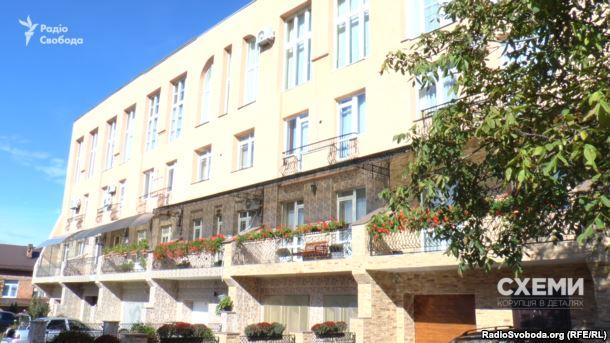 Дом в Черновцах, в котором у Улинца 3-комнатная квартира