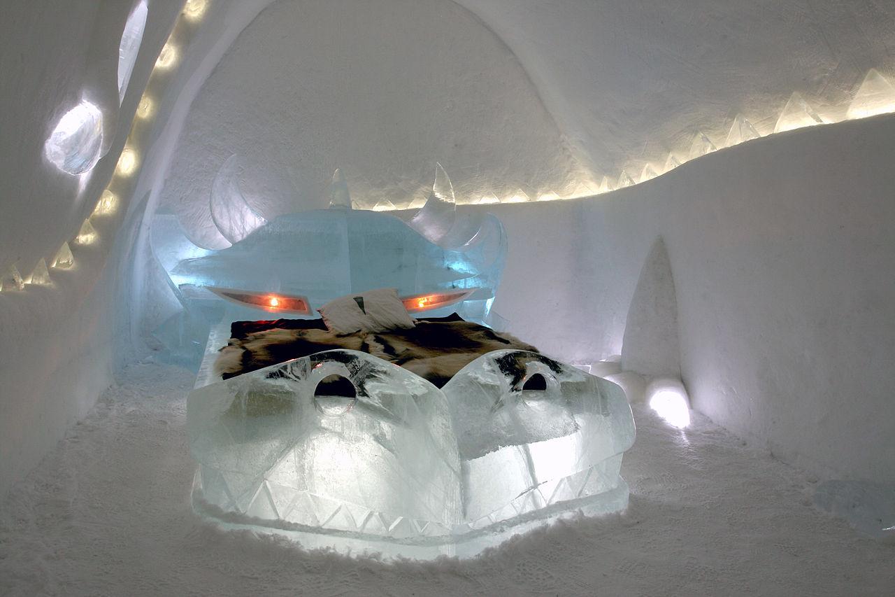 Ледяной отель в Швеции. Фото: Laplandish