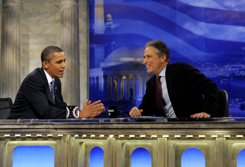 Барак Обама в Daily Show с Джоном Стюартом. Фото: EPA/ROGER L. WOLLENBERG