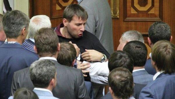 Драка при участии Парасюка в парламенте. Фото: Wikipedia