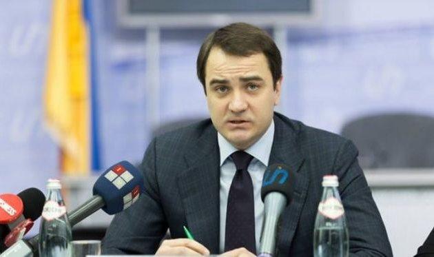 Глава бюджетного комитета Андрей Павелко обеспокоился состоянием украинских дорог