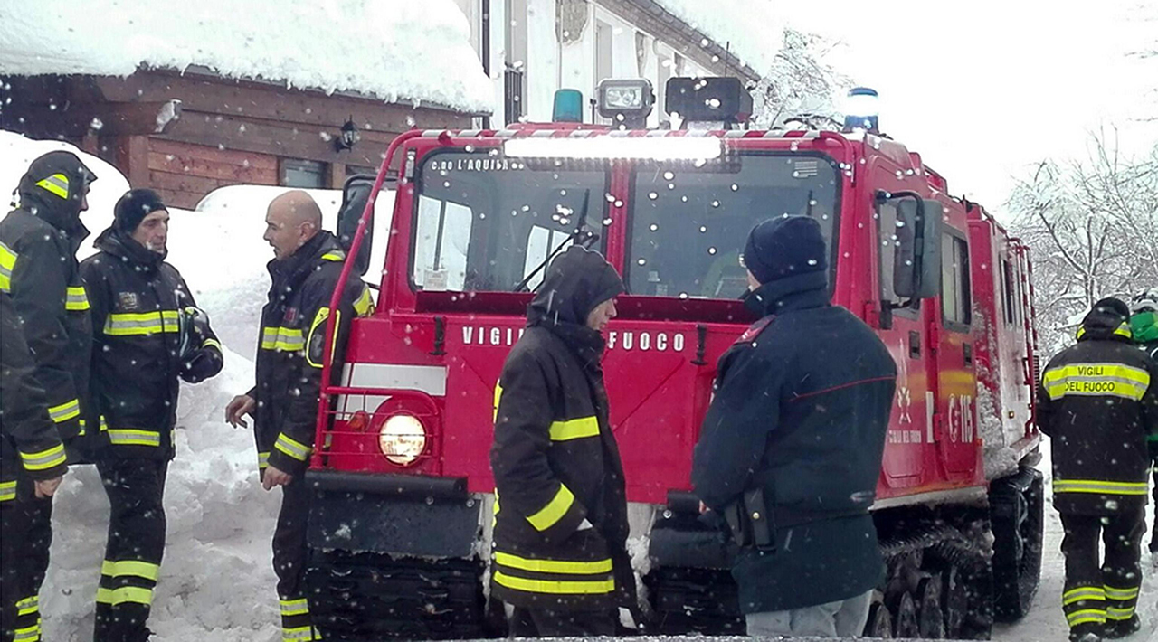Фото: EPA/MATTEO GUIDELLI / ITALIAN MOUNTAIN RESCUE HANDOUT