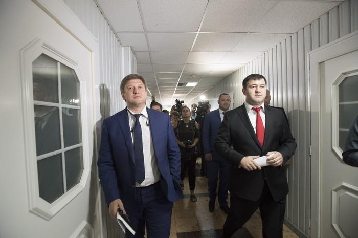 Министр финансов Александр Данилюк и глава ГФС Роман Насиров думают о новых планах для региональных таможен