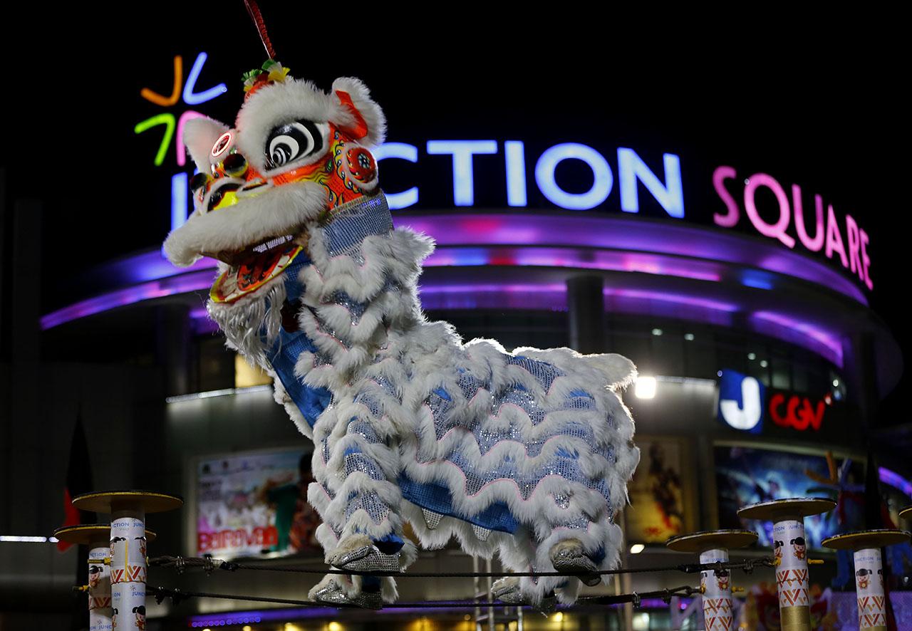 5888b2a4ae576434275269 И снова праздники. Как в мире отмечают китайский Новый год