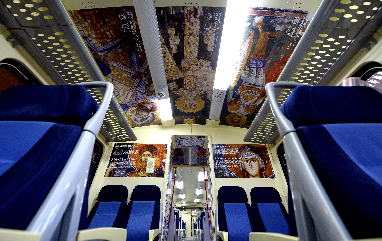 Поезд Белград-Митровица. Фото: EPA