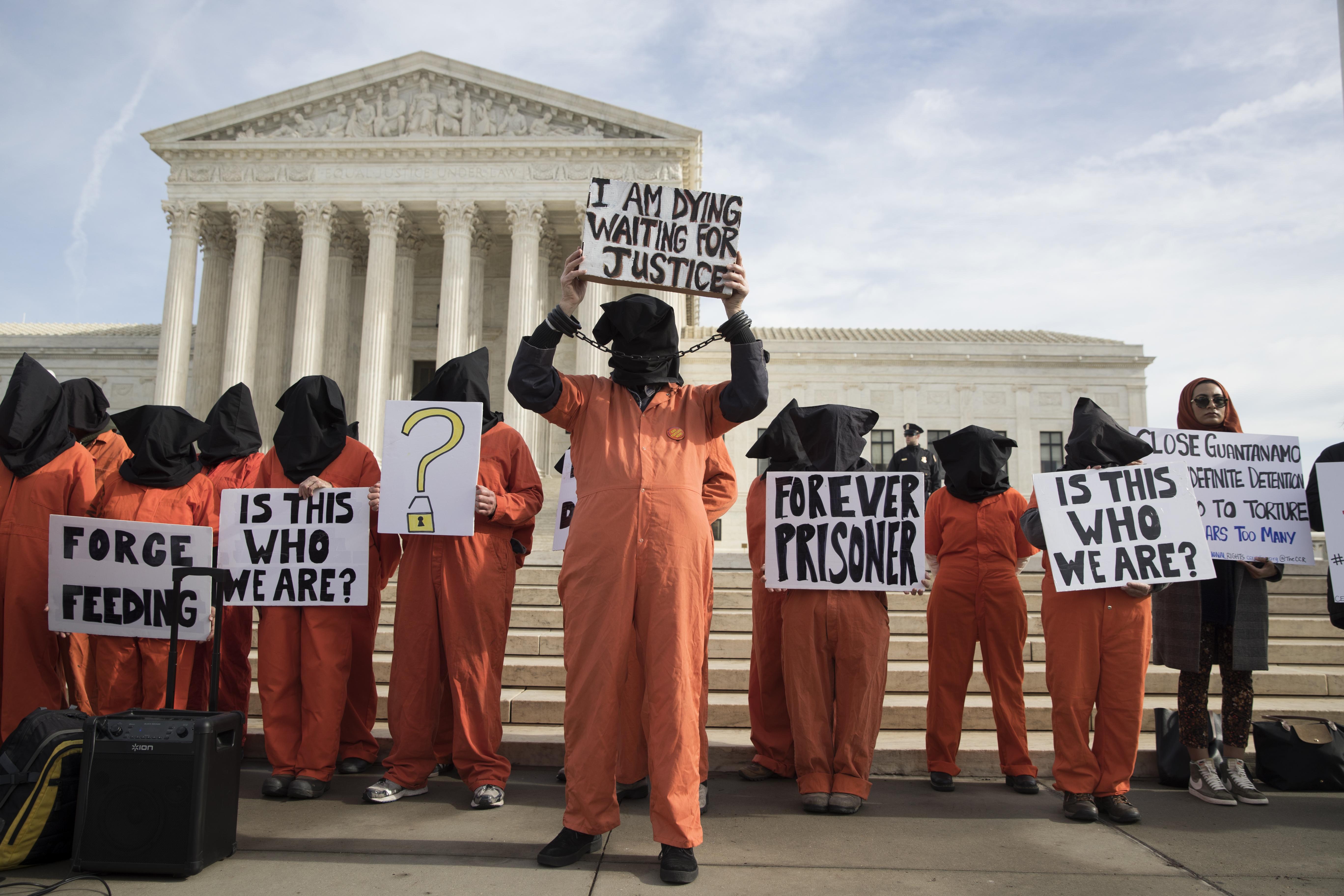 Акция протеста за закрытие Гуантанамо. Фото: EPA
