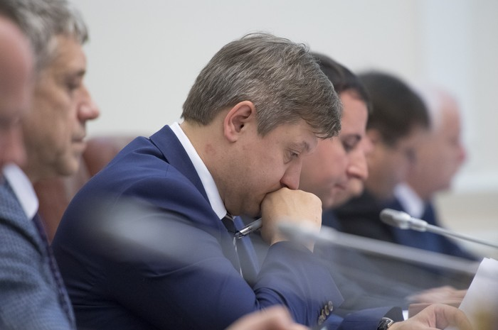 Александру Данилюку есть над чем задуматься. Очередная реформа провалена