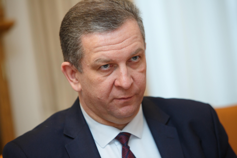 Министр социальной политики Андрей Рева уверен, что долги украинцев за коммунальные услуги будут снижаться. Пока задолженность удается скрывать, манипулируя статистикой.