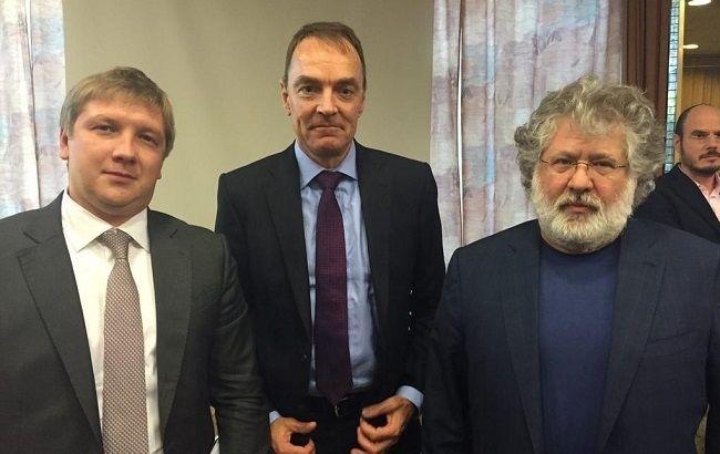 Андрей Коболев (слева), Маркс Роллинс (по центру) и Игорь Коломойский (справа)