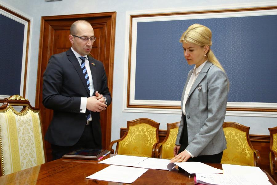 Столе Змейкоски и Юлия Светличная