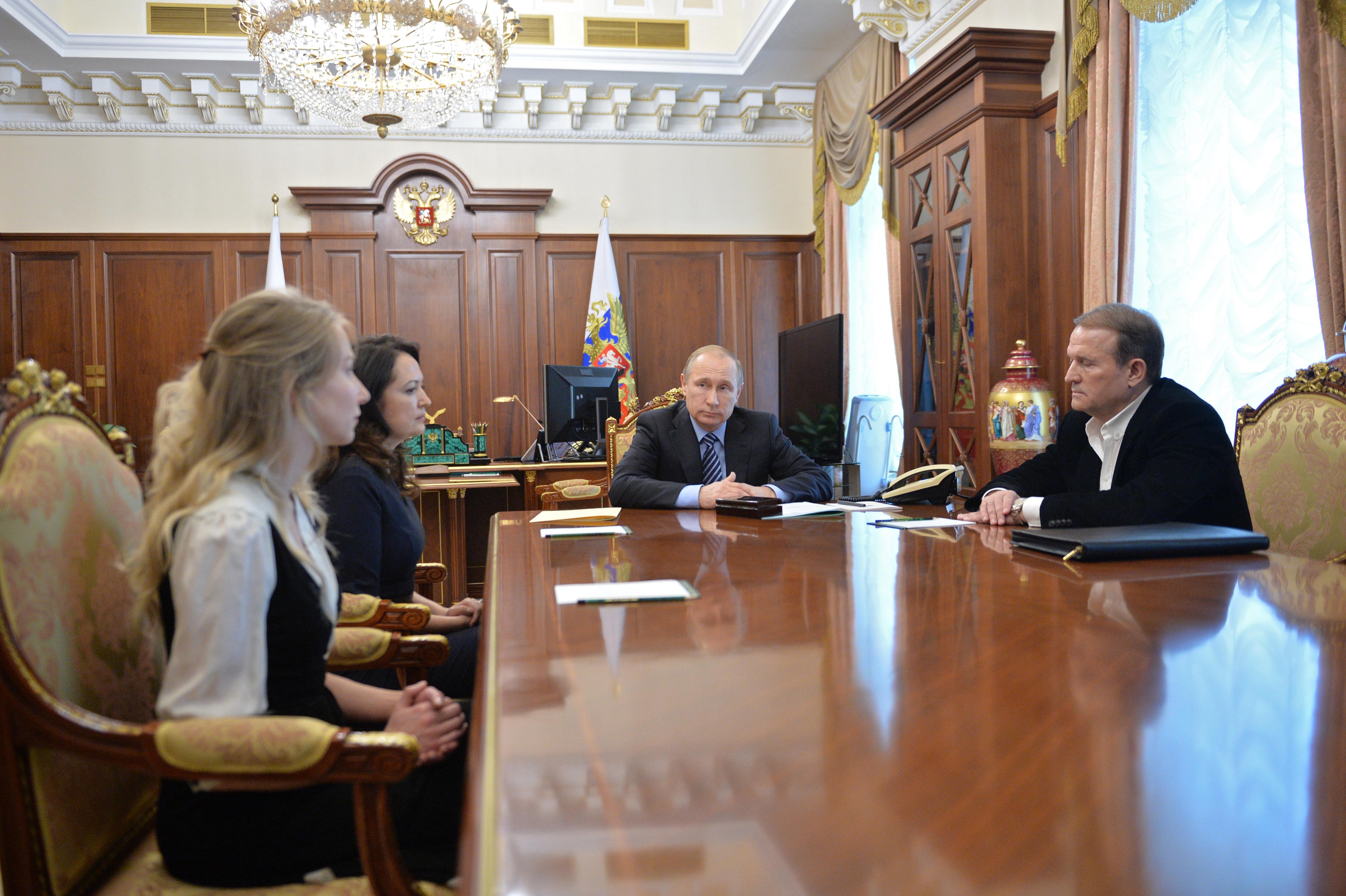 Медведчук: Мои отношения сПутиным помогают Украине