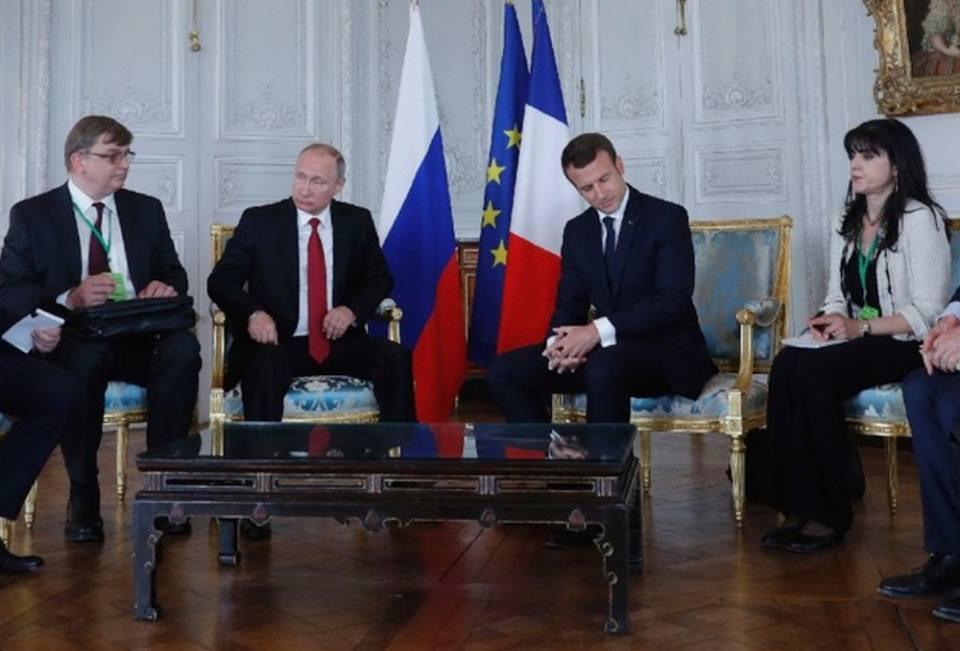 Встреча Макрона с Путиным не всегда оставляла впечатление особо дружественной