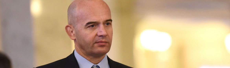 Первый замглавы фракции БПП Игорь Кононенко считает, что фракции должны найти компромисс