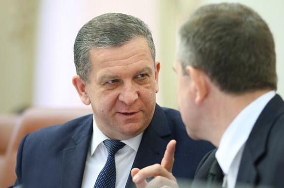 Министр социальной политики Андрей Рева считает, что скоро получателей субсидий в Украине станет меньше