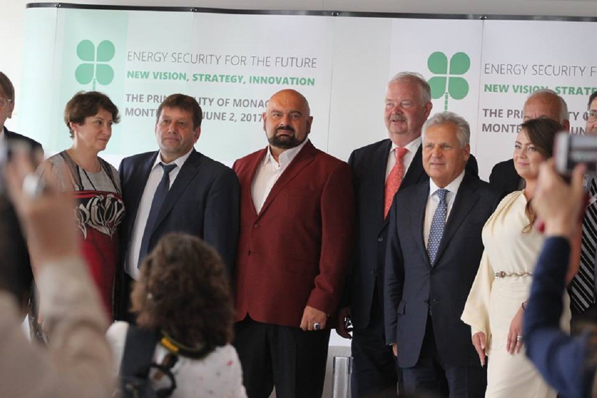 Слева направо - Южанина, Кистион и Злочевский. Фото: Наші Гроші