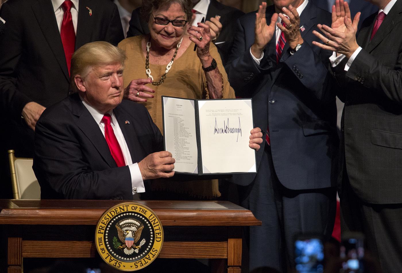 Трамп подписал решение об ужесточении политики в отношении Кубы. Фото EPA