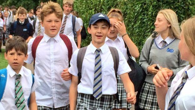 Воспитанники одной из английских школ пришли назанятия вюбках— Daily Mail