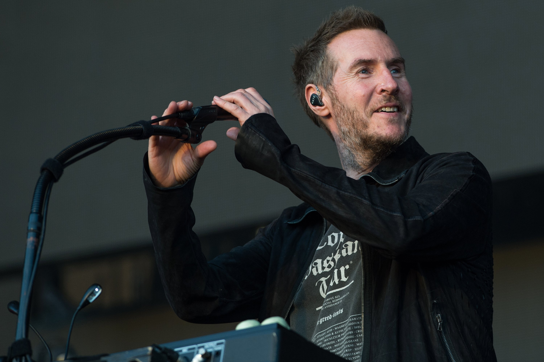 Британский музыкант случайно раскрыл имя Бэнкси винтервью