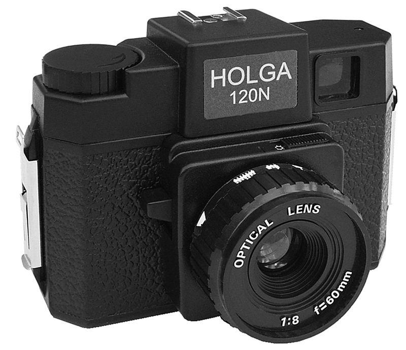 Фотоаппарат Holga, который стал вдохновителем для создания Instagram