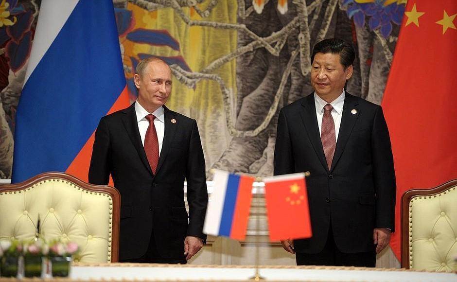 Владимир Путин провел потелефону переговоры спредседателем Китайская народная республика СиЦзиньпином