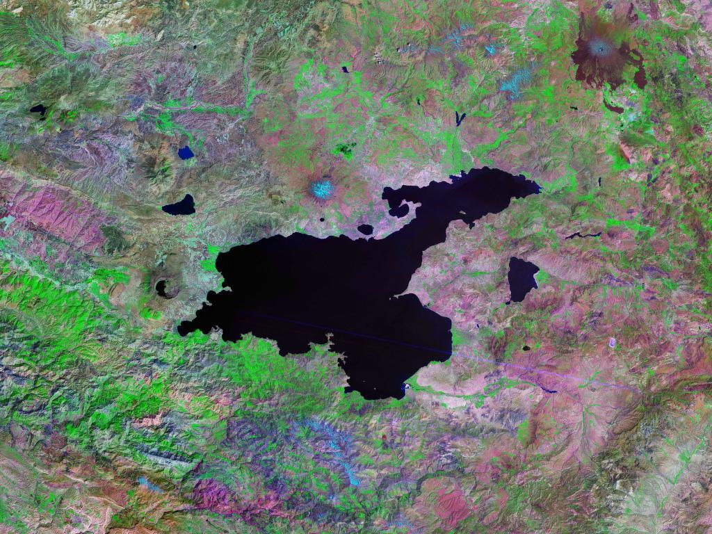 Озеро Ван из космоса.