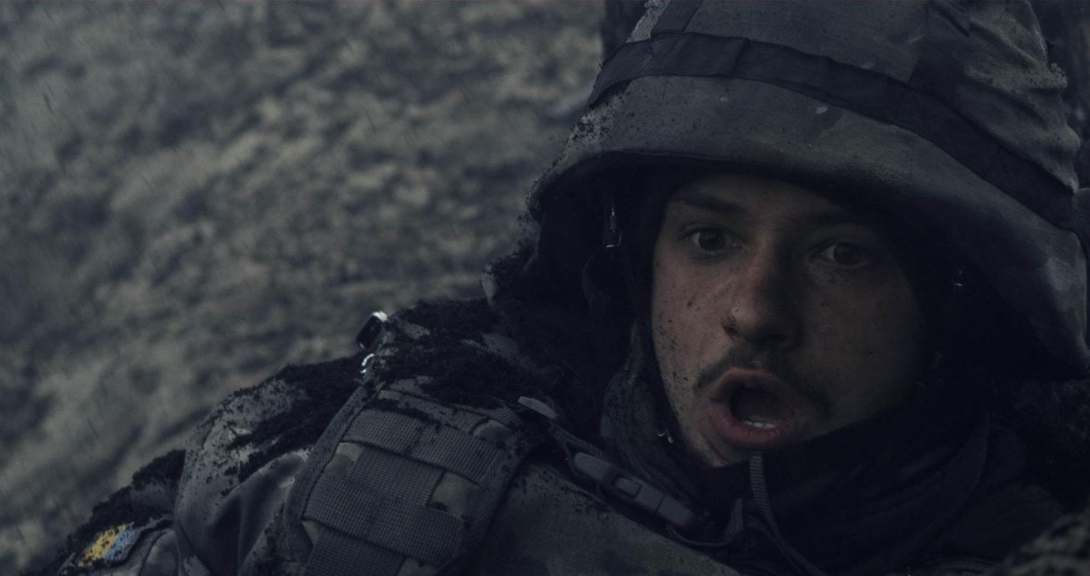 Кадр из фильма «Киборги», персонаж «Мажор»