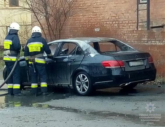 ВДнипре взорвался автомобиль обвинителя