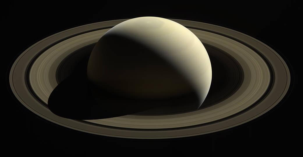 С этой точки «Кассини» сделал один из своих последних снимков Сатурна и его колец