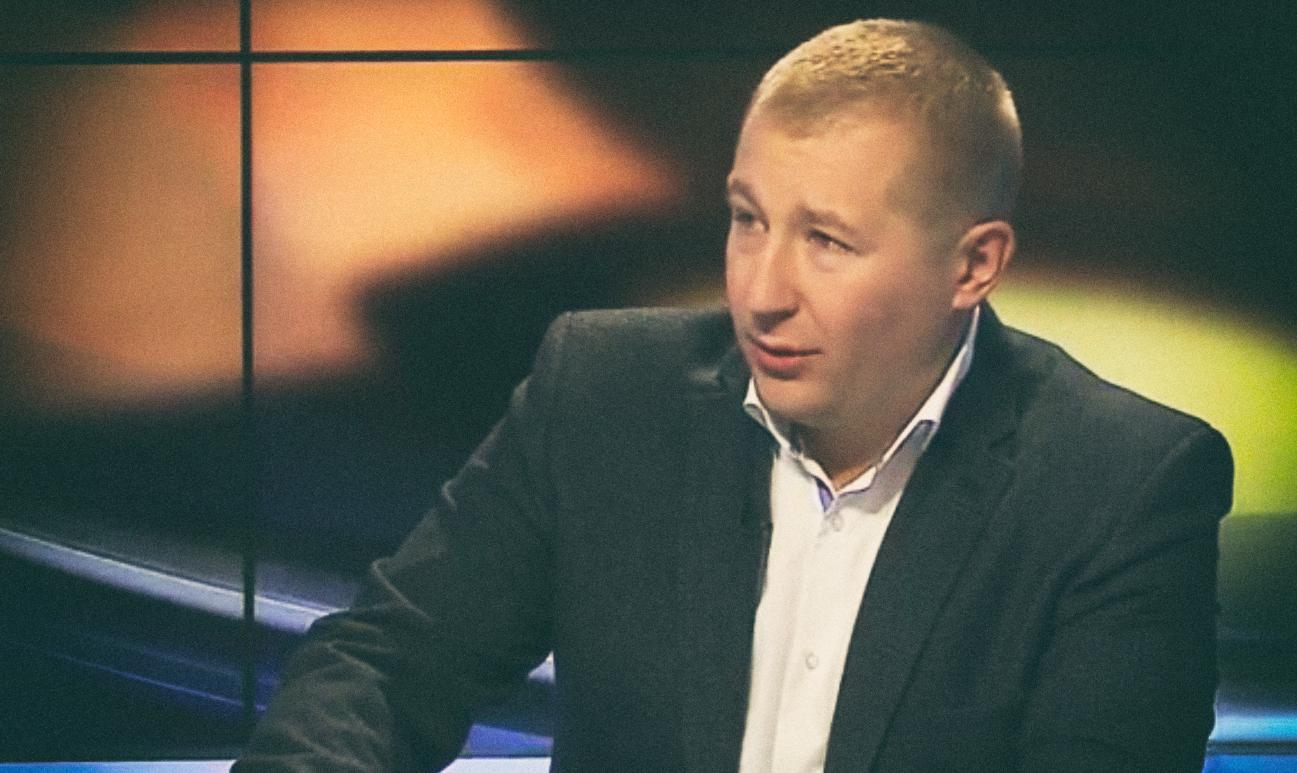 Как заявил Виталий Сердюк, новое руководство страны после победы Евромайдана ничего не сделало для сохранения Крыма в составе Украины