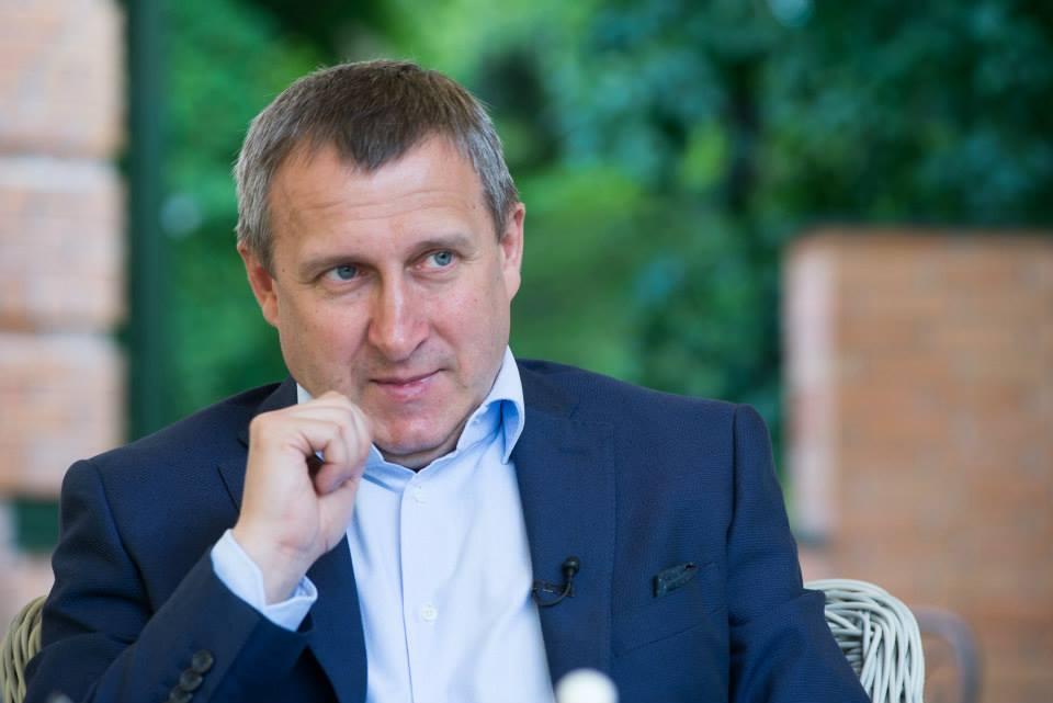 Андрей Дещица, который тогда заведовал внешней политикой, сообщил, что страны ЕС готовы оказывать только дипломатическое содействие