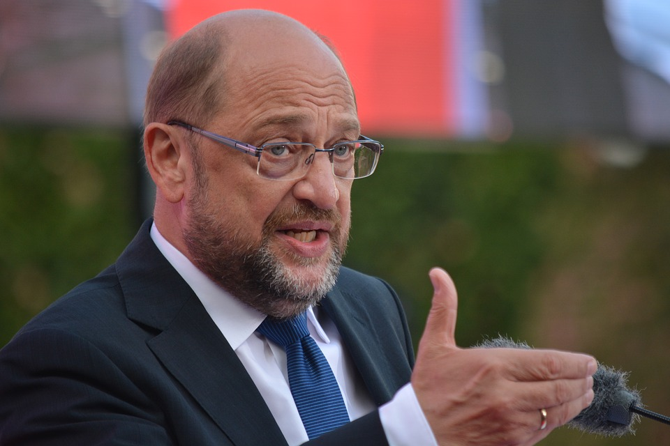 Ведомые Мартином Шульцем социал-демократы вышли с идеей перезаключения ранее отрицаемой ими «большой коалиции»