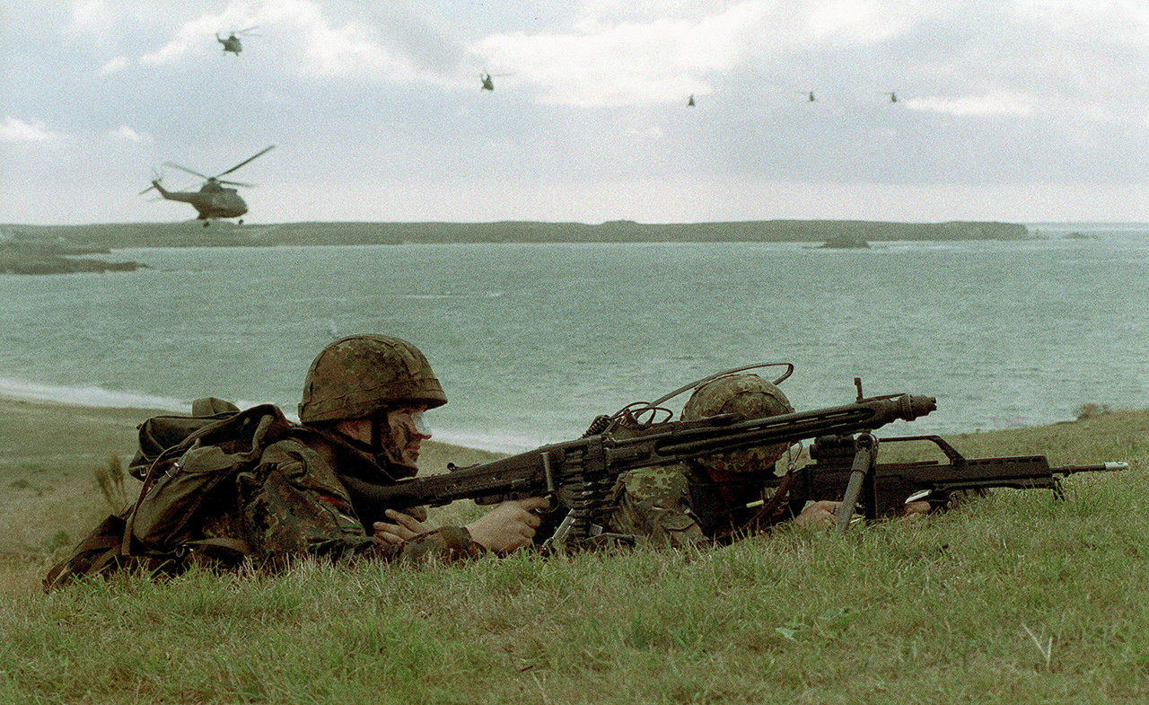 Намерены ли подписанты выполнять обязательства Берлина перед НАТО о доведении оборонных трат до 2% ВВП – неизвестно