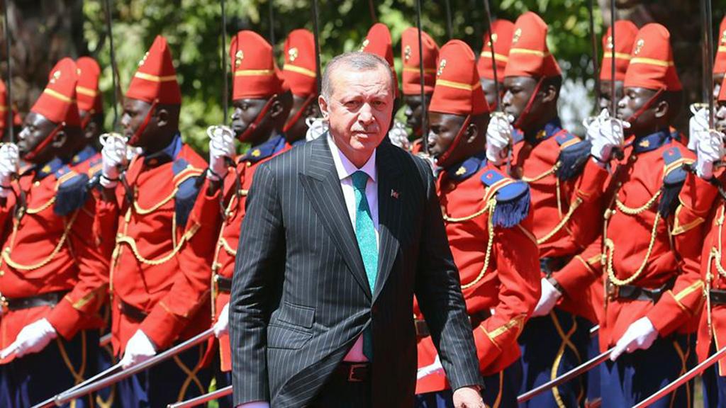 С 2004 года Эрдоган осуществил 39 визитов в 24 страны континента в сопровождении многочисленных делегаций министров и бизнесменов