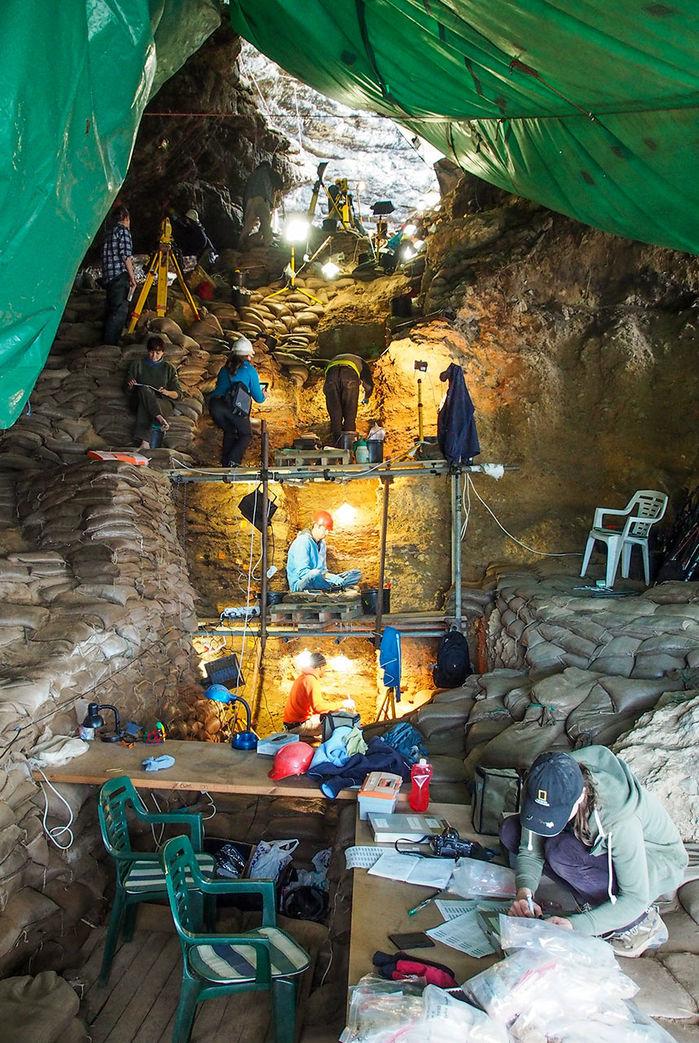 Археологи и геологи работают в пещерах Пиннакл Пойнт / Фото: Аризонский университет