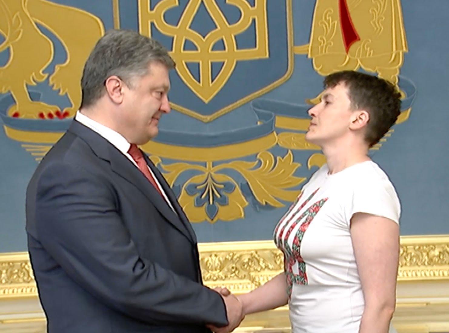 Герой Украины Надежда Савченко во многом является порождением президента Петра Порошенко