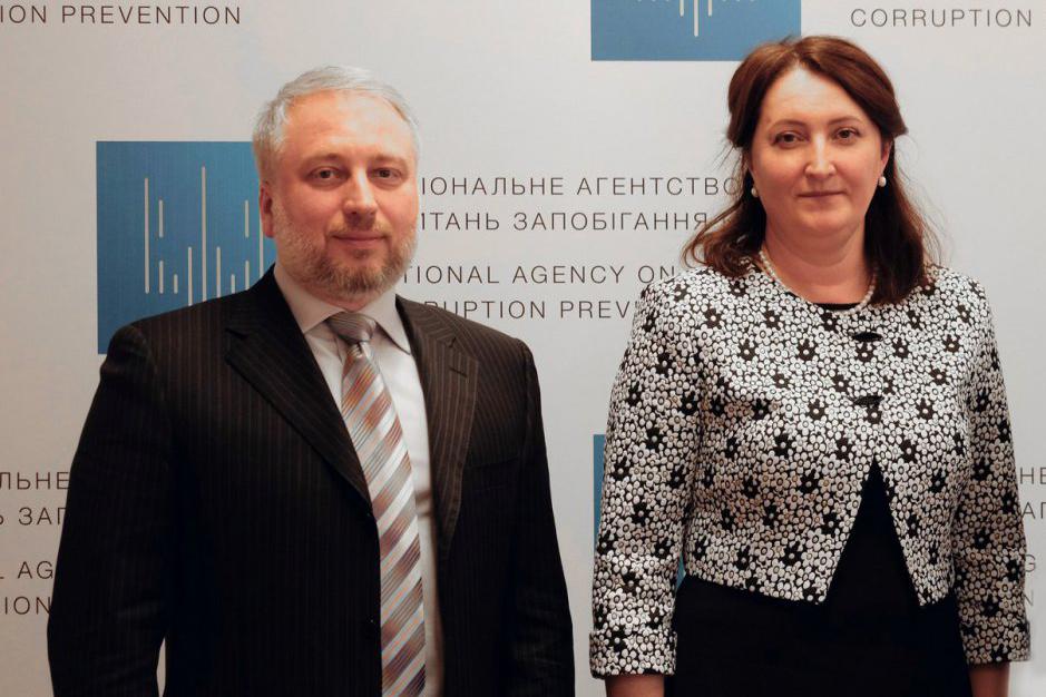 Вместо Корчак главой НАПК был избран Александр Мангул