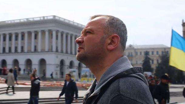 По словам Бубенчика, он стрелял правоохранителям в затылок из автомата Калашникова, находясь в здании консерватории
