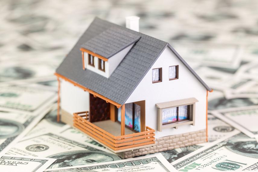 С учетом резкого удешевления недвижимости, которая находится в залоге у банков, сложно будет погасить все обязательства заемщиков