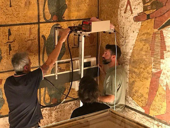Сканирование стен гробницы Тутанхамона / Фото: Верховный совет древностей Египта