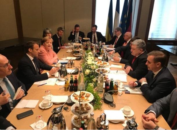 Порошенко: Комитет постпредовЕС ввел санкции против организаторов выборов воккупированном Крыму