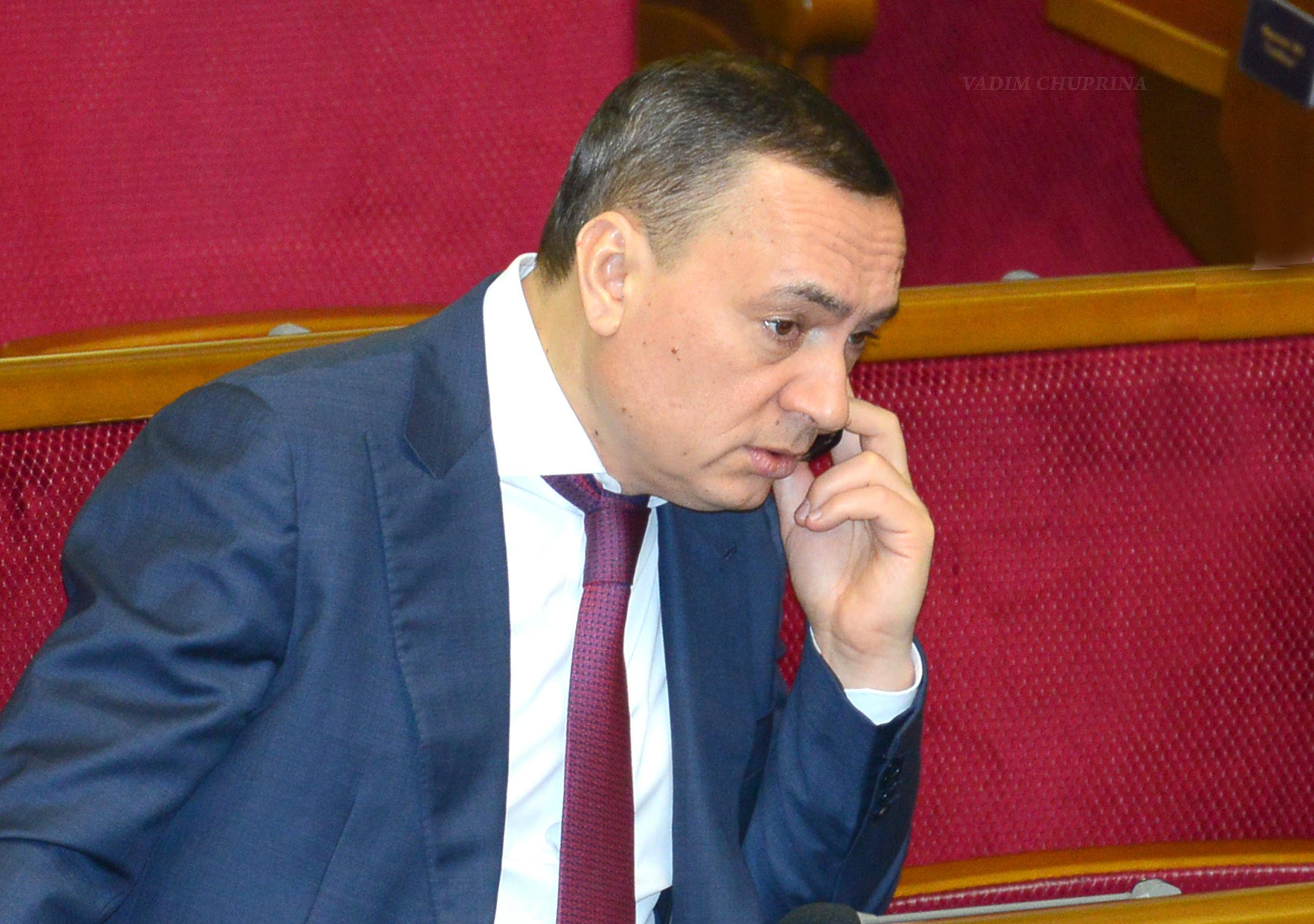 """""""Зачем тому же Мартыненко сотрудничать со следствием, если ему Администрация президента гарантирует, что он избежит наказания в суде"""""""