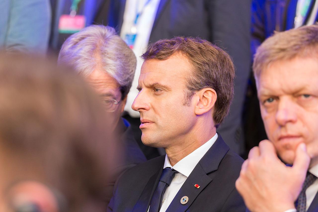 Эммануэль Макрон, если и не перехватил пальму первенства у Ангелы Меркель, то уж точно сравнялся с канцлером по амбициям на лидерство в Европе