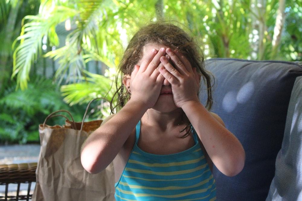 Как правило, неврастения происходит на фоне того, что ребенок или взрослый подвержен хроническому истощающему стрессу