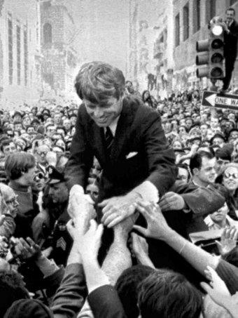 16 марта 1968 года Бобби Кеннеди объявил, что бросит вызов Линдону Джонсону