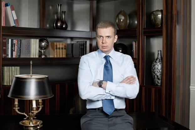 В июне 2013 года Борис Ложкин объявил о продаже 98% акций UMH group группе компаний «ВЕТЭК» Сергея Курченко