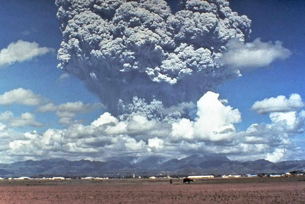 Извержение Пинатубо в 1991 году / Снимок USGS / Wikipedia