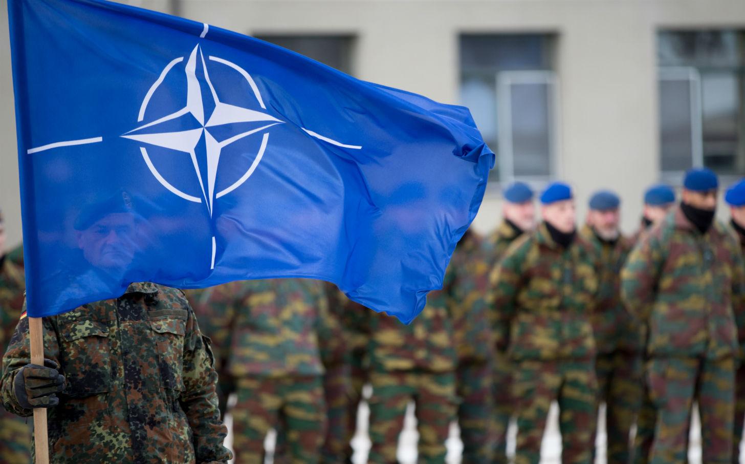 Если не можешь пока предоставить вступление в НАТО и ЕС, то можно ведь провести референдум по этому вопросу, чтобы «окончательно закрепить курс страны»