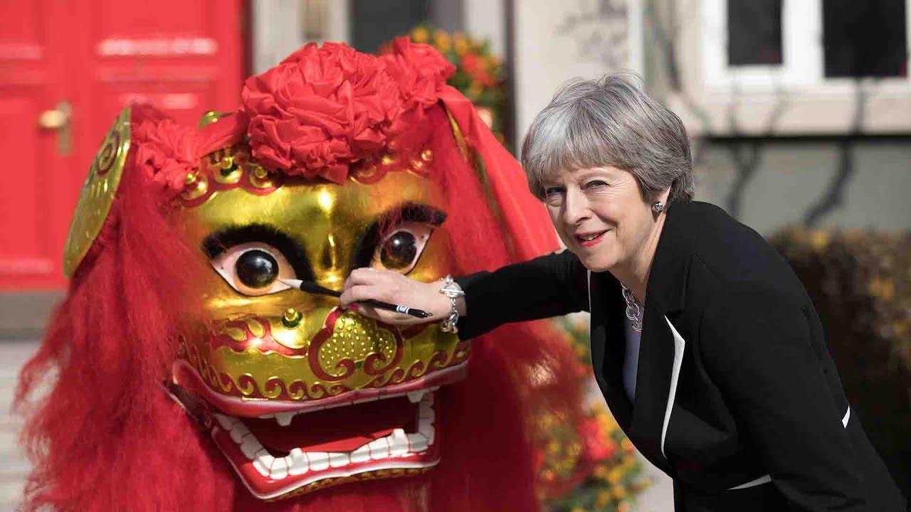 Премьер-министр Британии обнаружила, что зовут ее «тетушкой Мэй» и она - «часть китайской семьи»